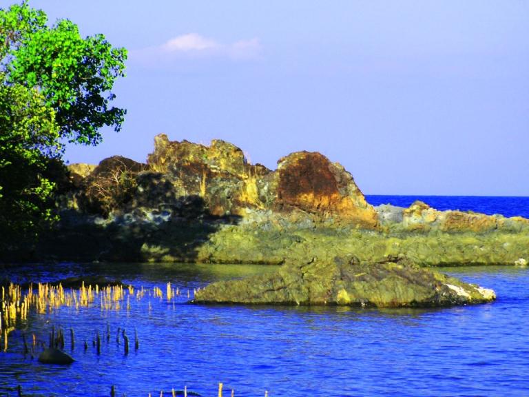 Poro-Maya Islet